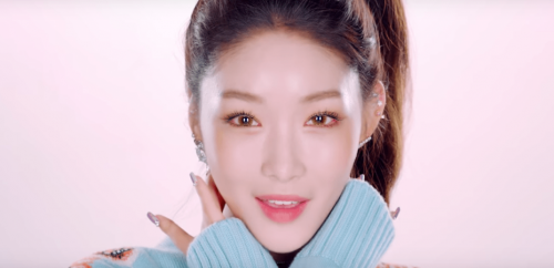Bí quyết dưỡng da cực xinh của Kim Chung Ha