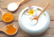Tinh bột nghệ và sữa chua giúp làm đẹp hiệu quả